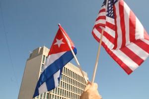 Emocionante ver las dos banderas por las calles de la Habana